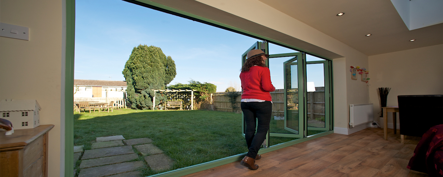 bi-folding-doors4-1000x430 Aluminium Bi folding Doors Saltaire  | Fitters • Installers • Manufacturers