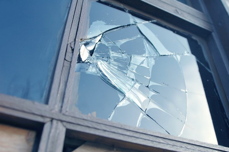 Emergency glass repair in Selby
